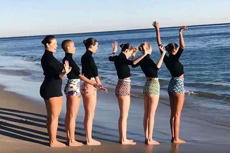 Модель Эшли Грэм лукавит, что не стесняется своего тела