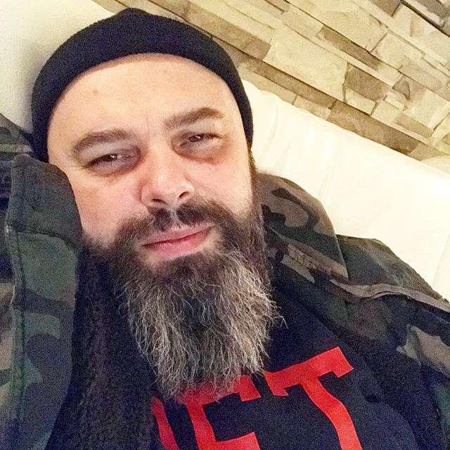 «Брить или не брить»: Максим Фадеев озадачен своей бородой