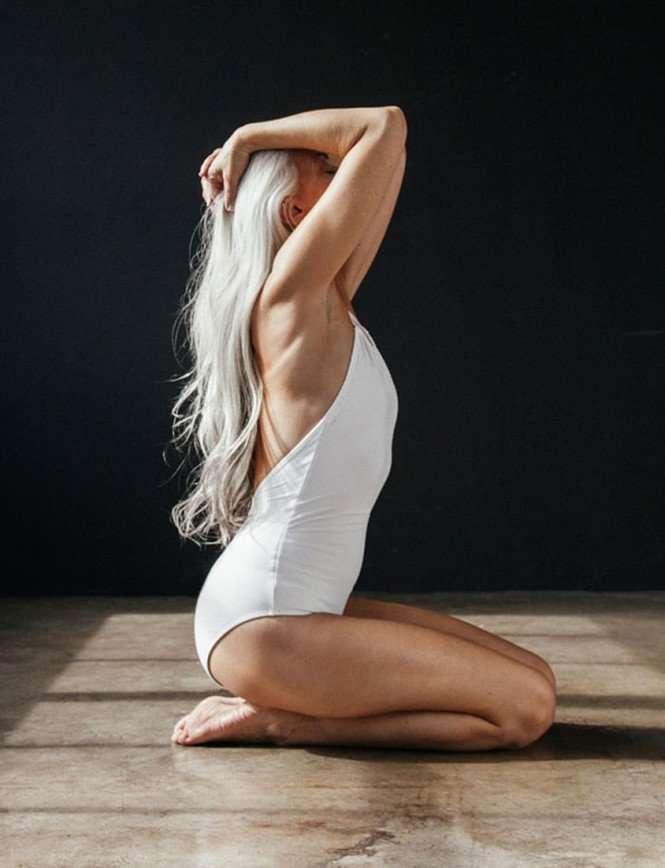 60-летняя модель Ясмина Росси снялась в рекламе купальников