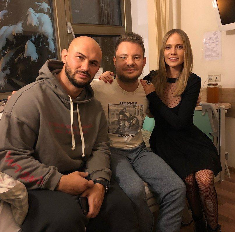 Джиган, Глюкоза, Ревва и другие звезды шоу-бизнеса приехали в больницу к DJ Smash