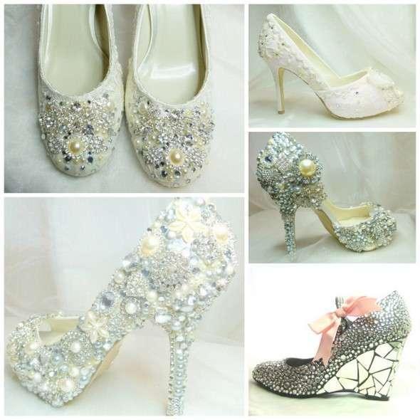 8cc70f458400a2 Надто декоративно, але зате такі туфлі притягують максимум уваги! Майстер:  everlastinglifashion, ціна близько 500 доларів.